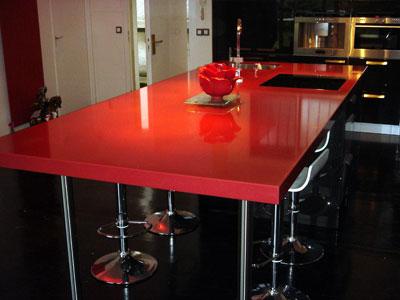 Ilot en composite rouge magna marbrerie et d coration - Plan de travail rouge laque ...