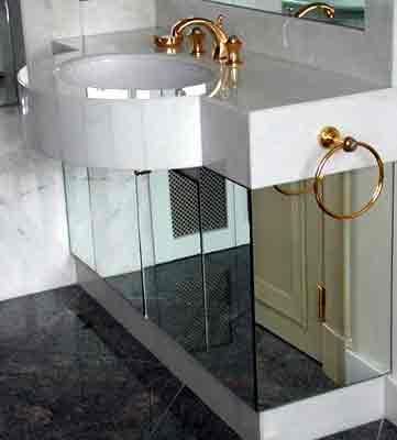 salle de bain marbre gris la de toilette en marbre rose aurore d sur les - Salle De Bain Marbre Rose